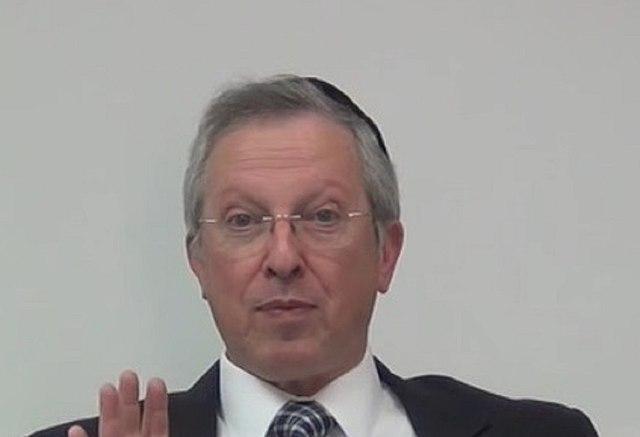640px-Rabbi_Mordechai_Neugroschel